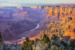 Canyon echoes and reverberations